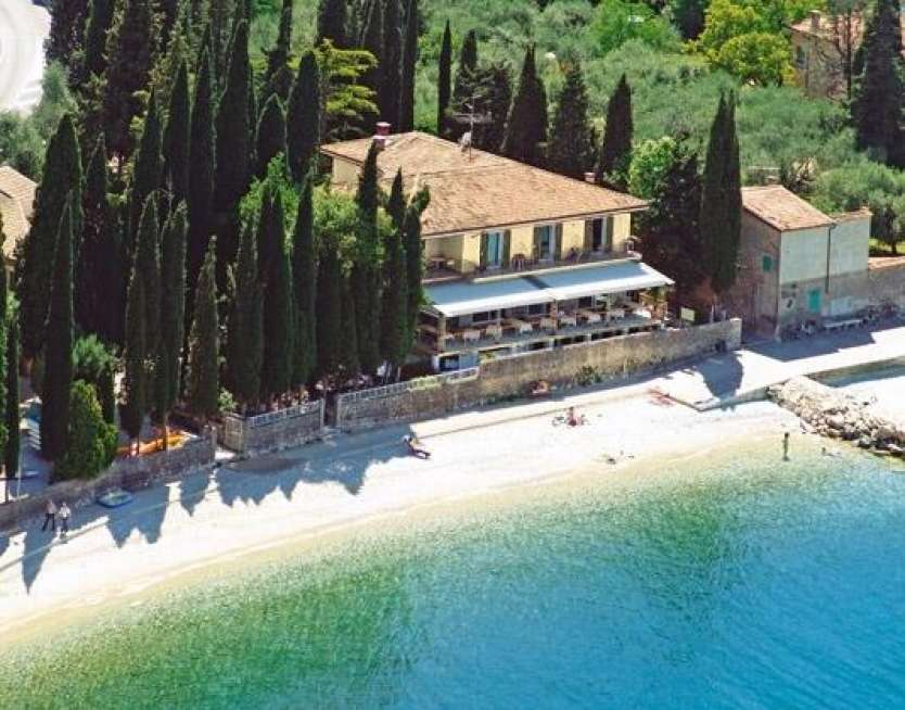 Hotel baia dei pini torri del benaco lago di garda - Piscina due pini salo ...