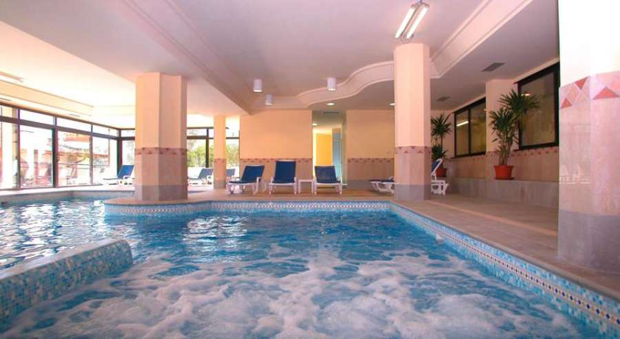 Hotel ilma limone gardasee - Hotel lago garda piscina coperta ...