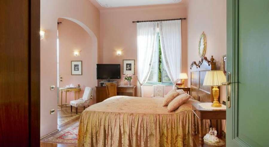boutique hotel villa sostaga gargnano gardasee. Black Bedroom Furniture Sets. Home Design Ideas