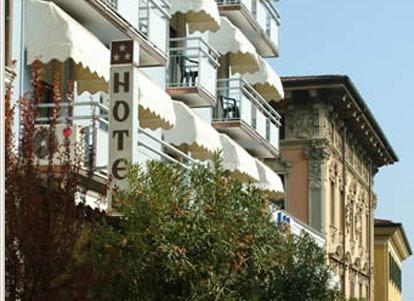 Hotel Ristorante Commercio - Salò - Lake Garda