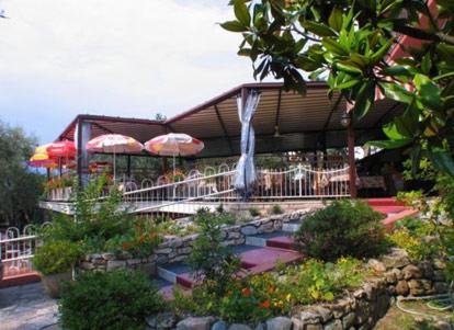 Hotel rabay brenzone lago di garda - Hotel lago garda piscina coperta ...