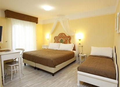 Hotel Ristorante Galvani Torri Del Benaco Gardasee