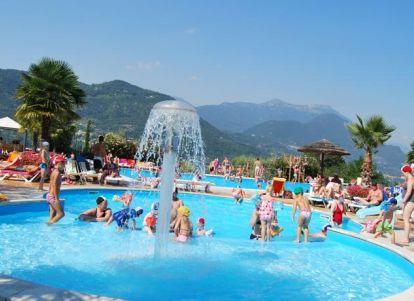 Campeggi a sal lago di garda - Campeggi con piscina lago di garda ...