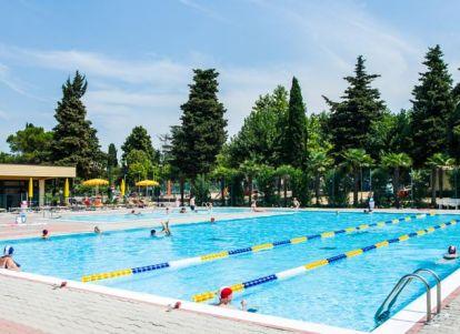 Campeggi a castelnuovo lago di garda - Campeggi con piscina lago di garda ...