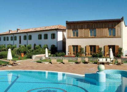 Hotel con piscina scoperta a peschiera sul lago di garda - Campeggi con piscina lago di garda ...