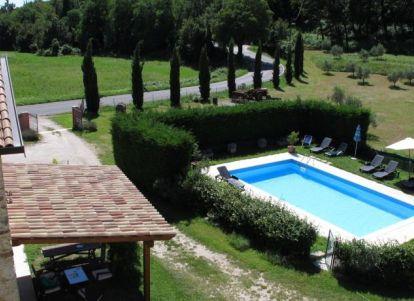 Agriturismo con piscina scoperta a bardolino sul lago di garda - Campeggi con piscina lago di garda ...