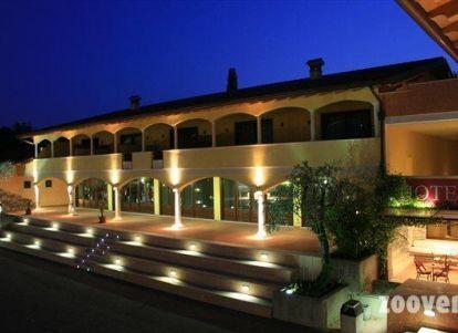 Hotel con centro benessere al lago di garda for Manerba spa