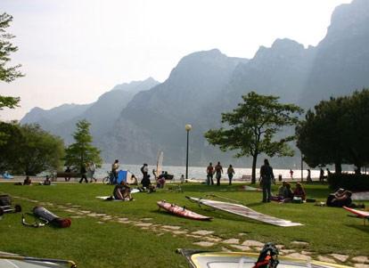 Campeggi 2 stelle a torbole nago sul lago di garda - Campeggi con piscina lago di garda ...