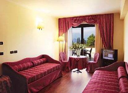 Admiral hotel villa erme desenzano lago di garda - Hotel lago garda piscina coperta ...
