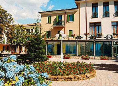 Park hotel jolanda san zeno di montagna lago di garda - Hotel lago garda piscina coperta ...