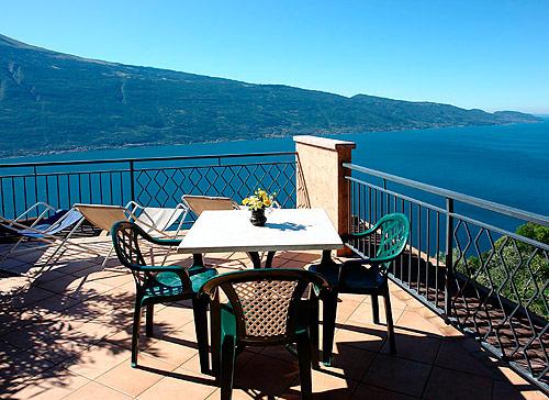 Hotel zanzanu tignale lago di garda - Hotel lago garda piscina coperta ...